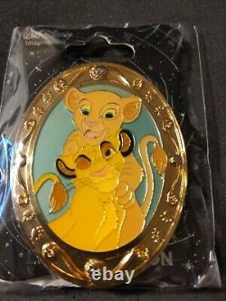 DISNEY Young Simba and Nala CATS WDI OVAL GOLD FRAME LE 300 PIN
