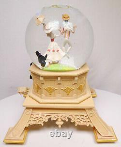 Disney Disneyland Paris Figurine Musical Snow Globe Mary Poppins 55th Editon