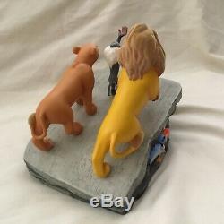 Disney Lion King SIMBA PRIDE ROCK CIRCLE OF LIFE Ltd. Ed Watch Pin Box Figurines