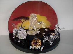 Swarovski disney Lion king Set Mufasa Pumbaa, Simba, Timon, Tittleplaq. Displ