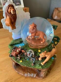 Cercle Rare De Disney Du Globe De Neige Roi De Lion De Vie, Article À Collectionner