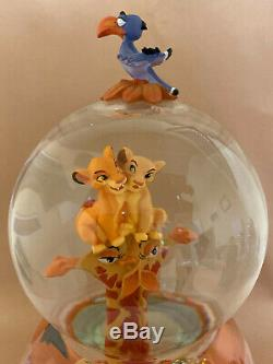 Disney Le Roi Lion Simba Nala Snowglobe Snow Globe Figurine