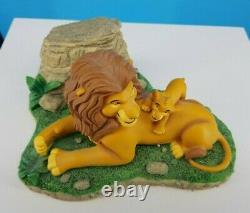 Disneys Le Roi Lion Ne Peut Attendre D'être Roi Par Costa Alavezos Avec Timon Pin Rare