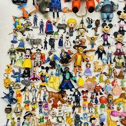 Immense Terrain De 200+ Disney Pixar & Figures Frozen Princesse Roi Lion Blanche-neige