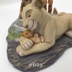 Le Disney Store Lion King Sarabi & Baby Simba Porcelaine Figurine En Céramique Rare