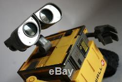 Mur Très Rare E Robot R / C Commande Vhtf Disney Pixar Thinkway Jouets