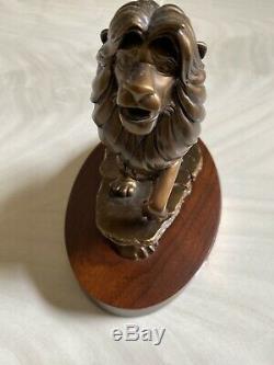 Rare Disney Le Roi Lion Simba Bronze 20 Service Année Statue Cast Prix Membre