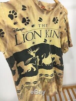 Vtg Le Roi Lion Disney Jerry Leigh All Over Imprimer T-shirt Affligé Taille XL